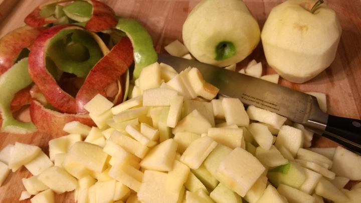 Apple Pies Peel